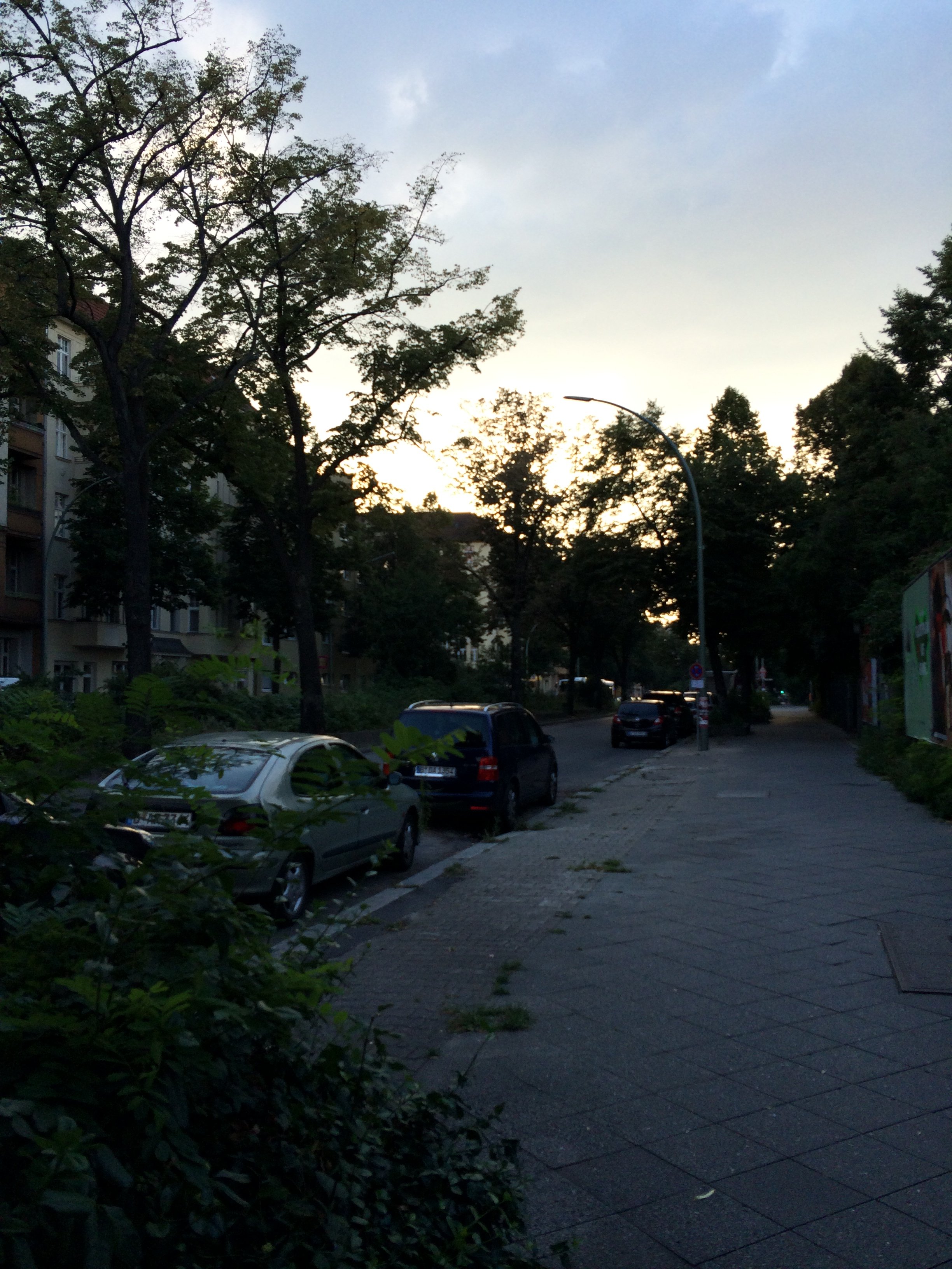 Sonnenallee in the evening, pretty sleepy right?