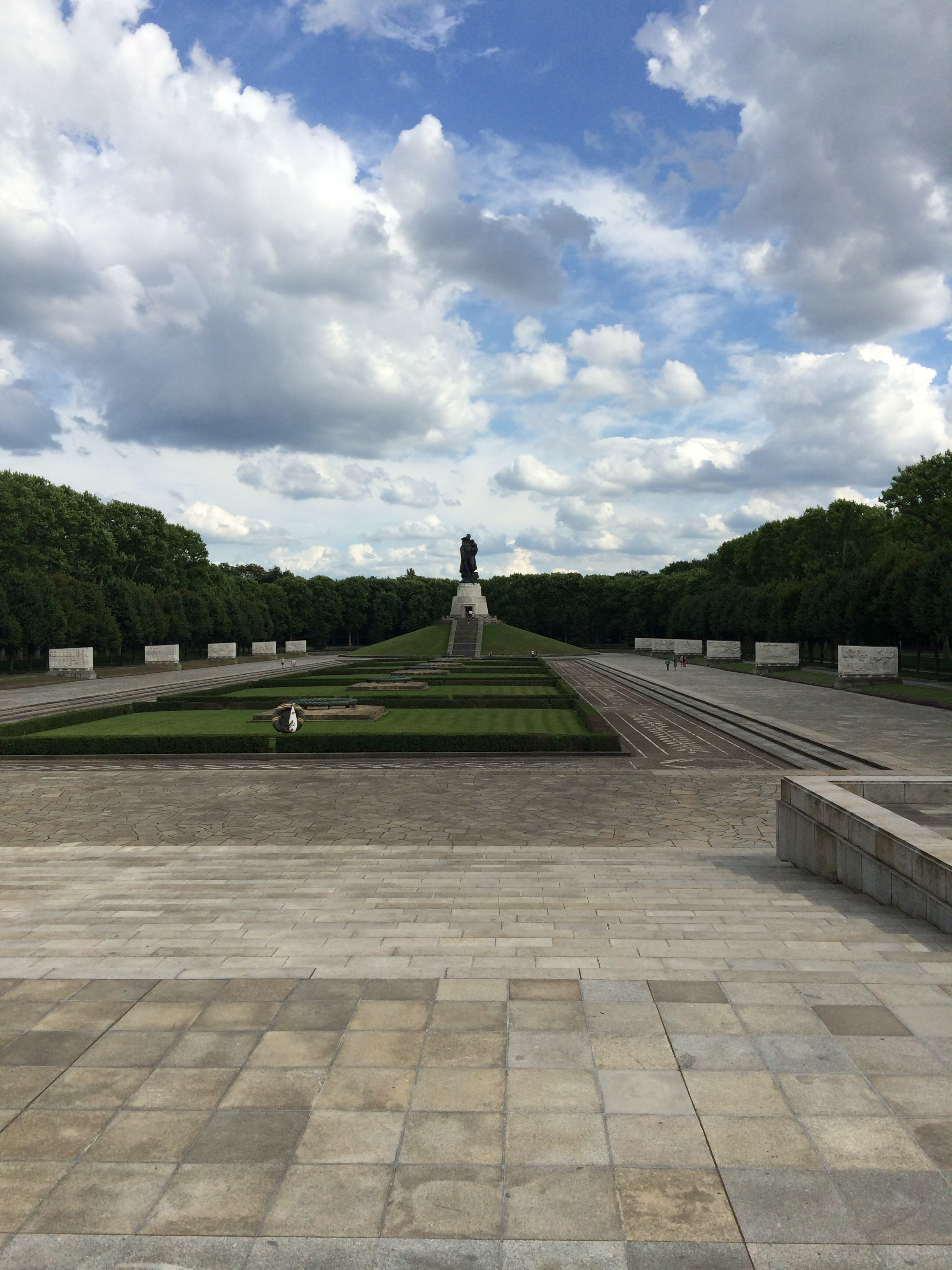 Monument to the Soviet soldiers who fought in WWII, Treptower Park