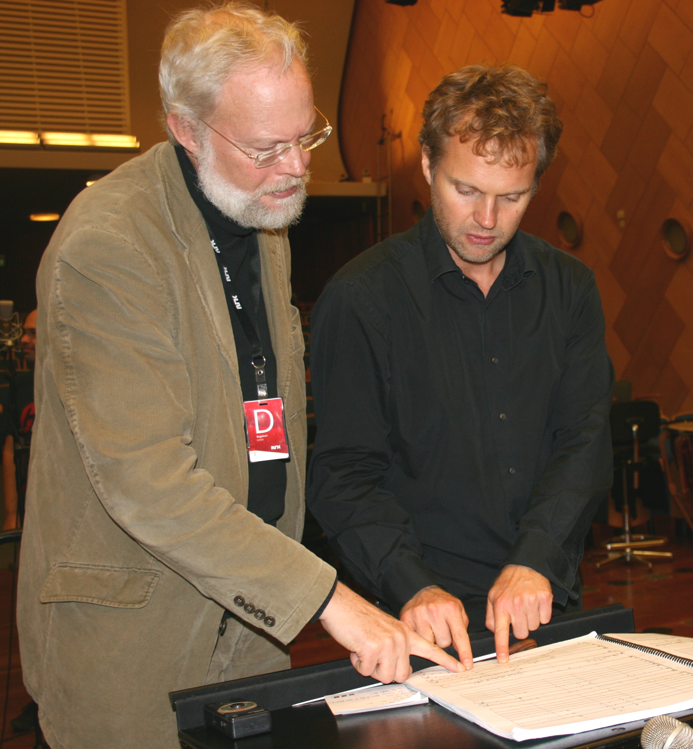 Ruders and Søndergård discussing.jpg