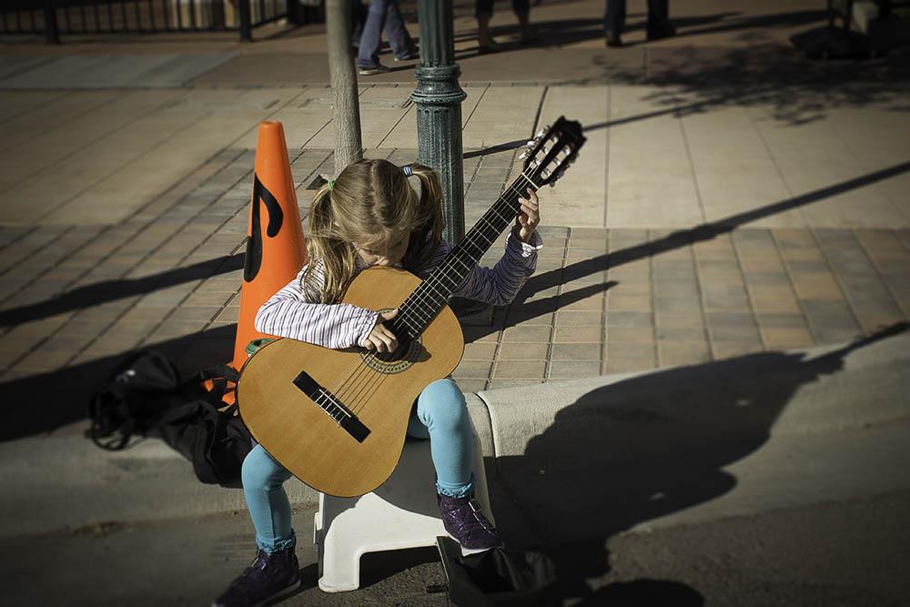 Little Finger, Big Guitar, Las Cruces, NM
