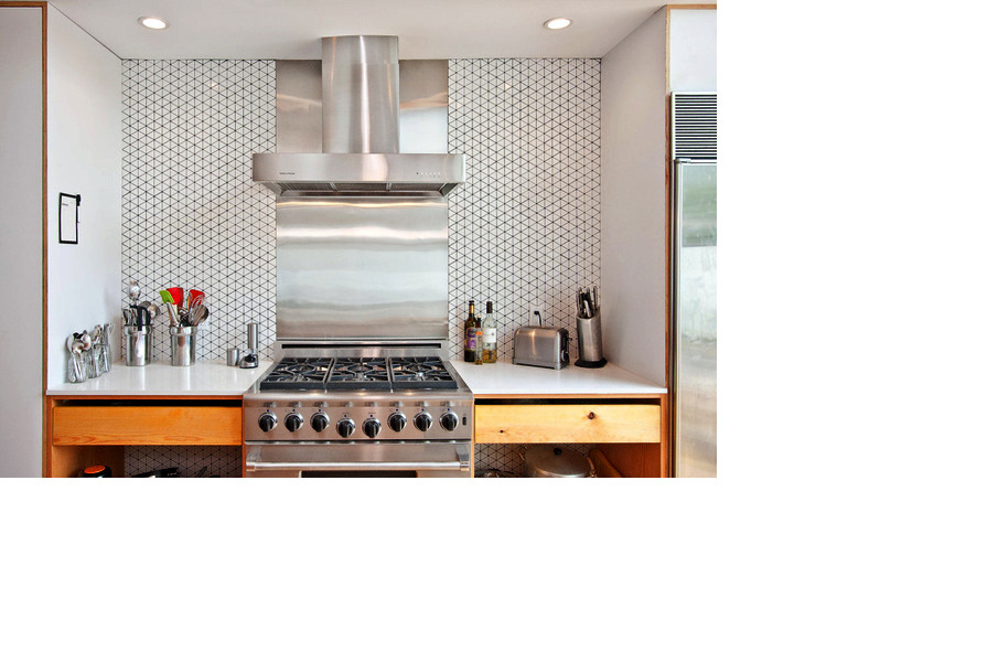 Graphic Kitchen Tile at Walnut Home