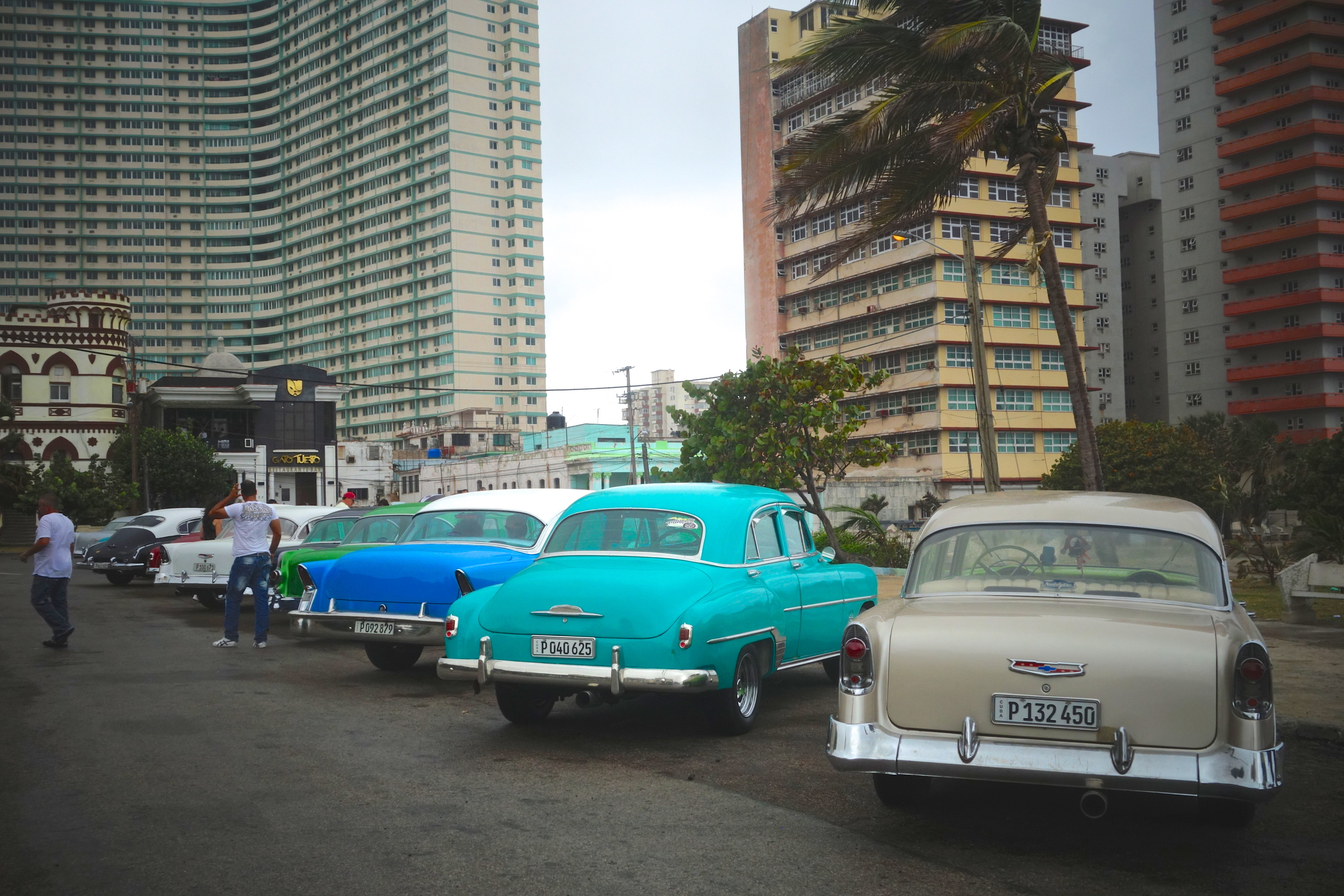 Nearby hotels were a popular playground for American celebrities and mobsters. The Havana Riviera, the big one here off to the left was built in 1956 by Meyer Lansky. It resembled and rivaled the original Riviera Casino in Las Vegas.