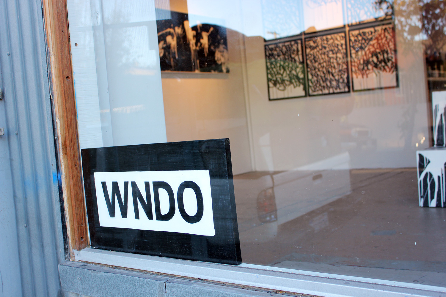 Taking over the former studio space of Doug Edge, partners Bisco Smith and Dfalt debut WNDO, a multi-purpose creative space, in collaboration with Jim Budman Studio.