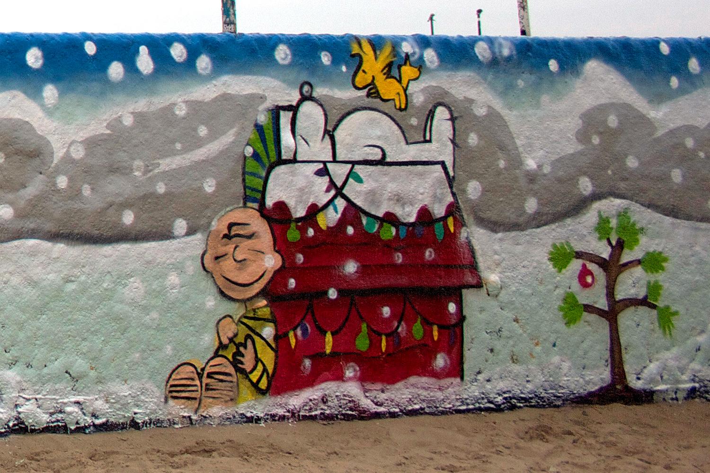 xmas-stp-grafitti-walls-1.jpg