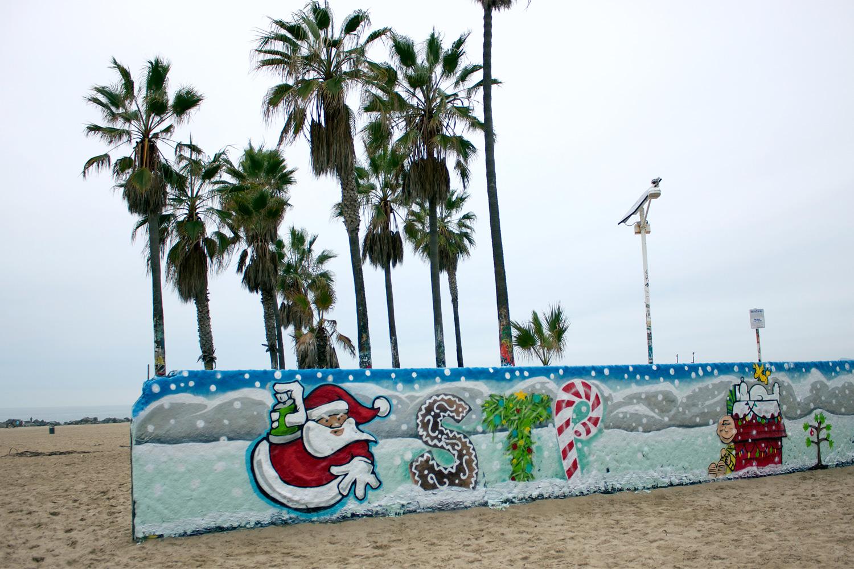 xmas-stp-grafitti-walls-2.jpg