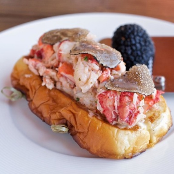 The Anchor Lobster Roll.jpg