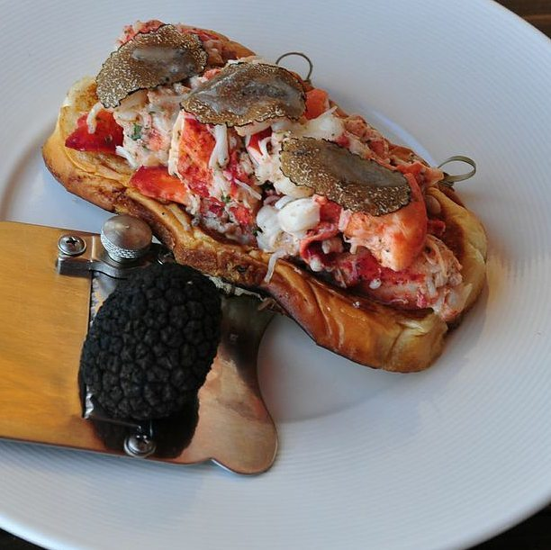 The Anchor Venice lobster roll.jpg