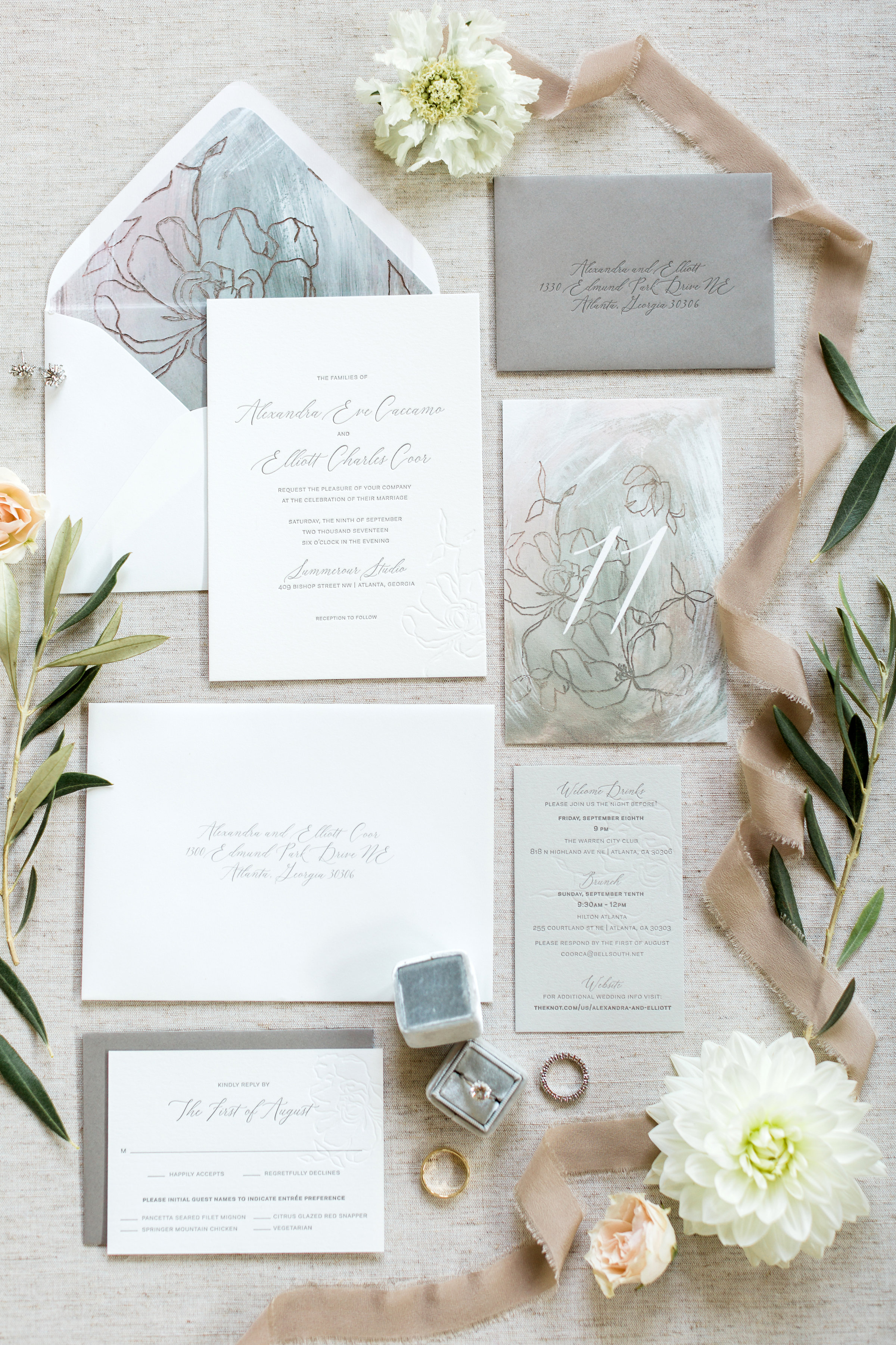 Allie&ElliottWedding_RusticWhite_001.jpg