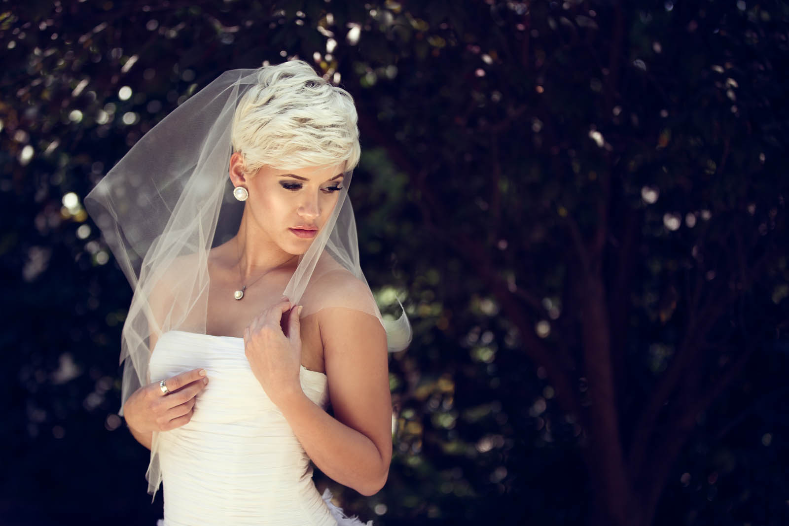 Bridal_Portraits_DukeGardens_2014_ErnestoSue-0075-Edit.jpg