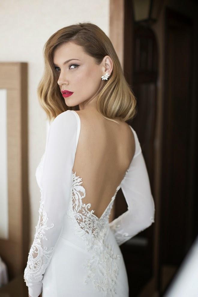 Designer-Brautkleider-figurbetont-Julie-Vino-Kleid-rückenfrei-lange-ärmel.jpg
