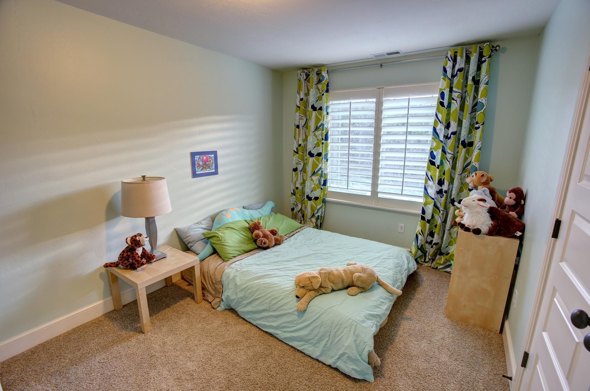 crest_bedroom3.jpg