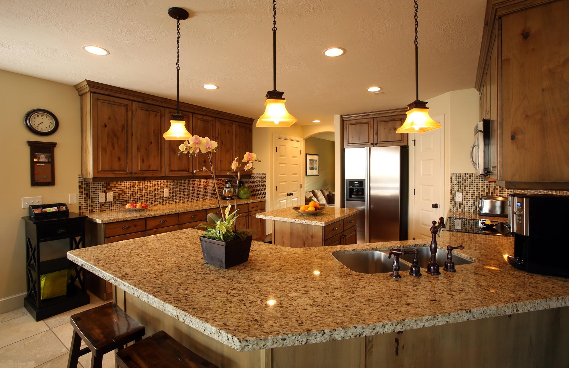 crest_kitchen1.jpg