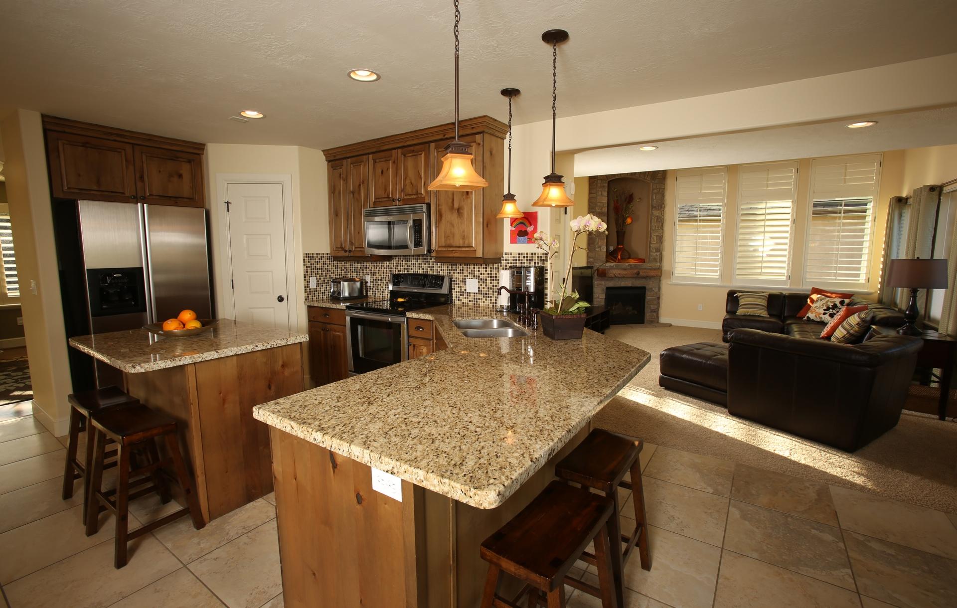 crest_kitchen3.jpg