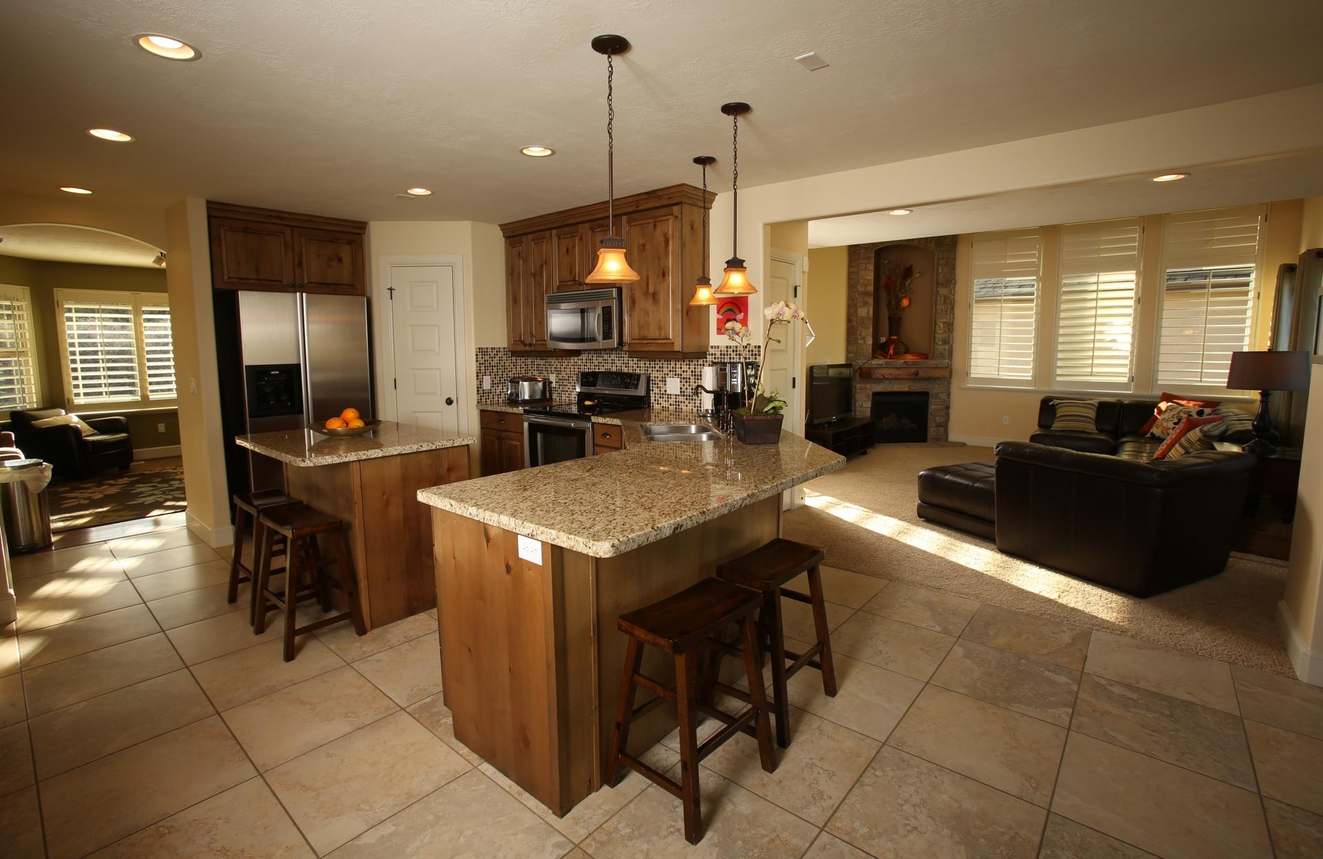 crest_kitchen4.jpg