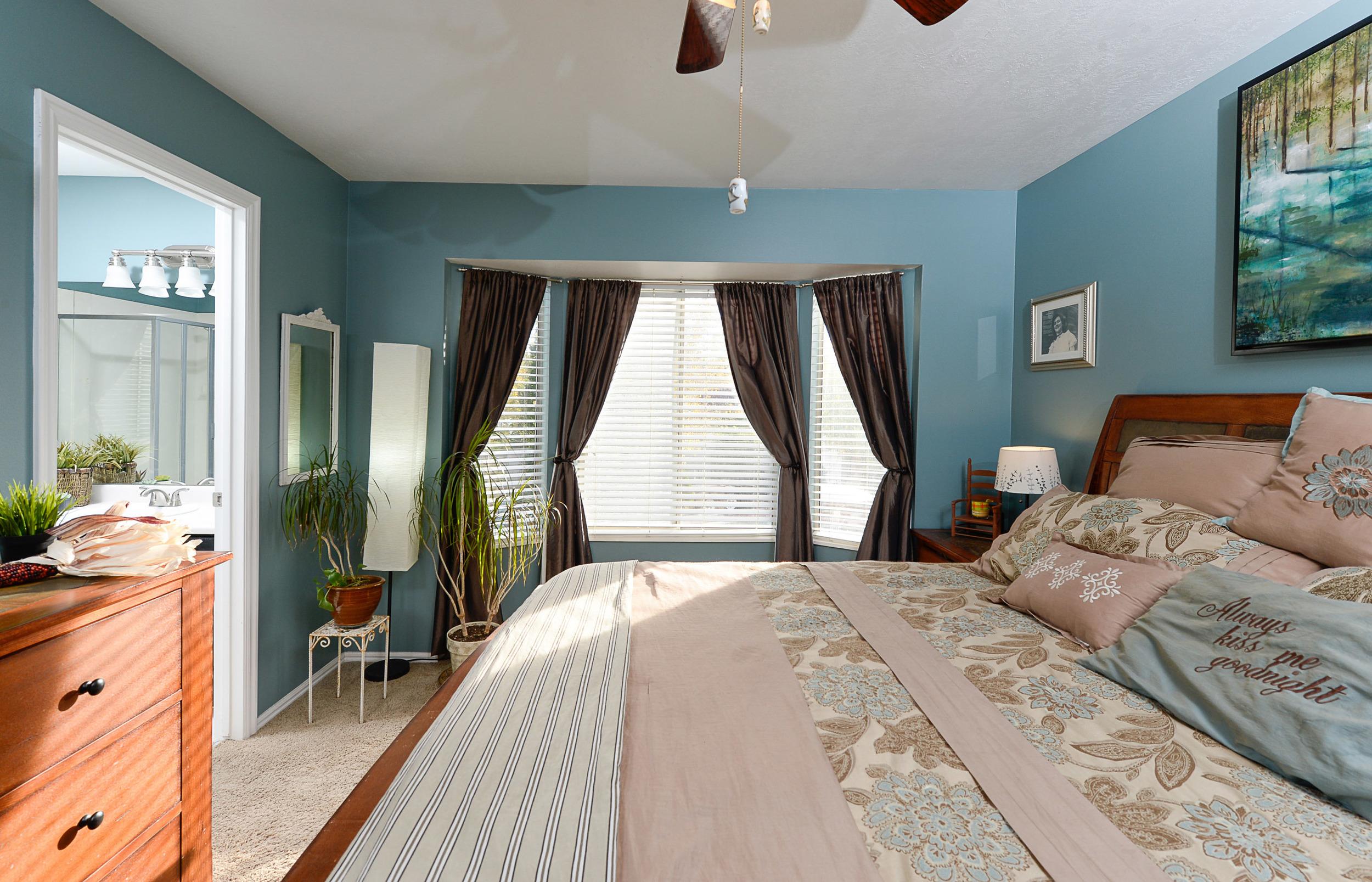 Master bedroom2.jpg