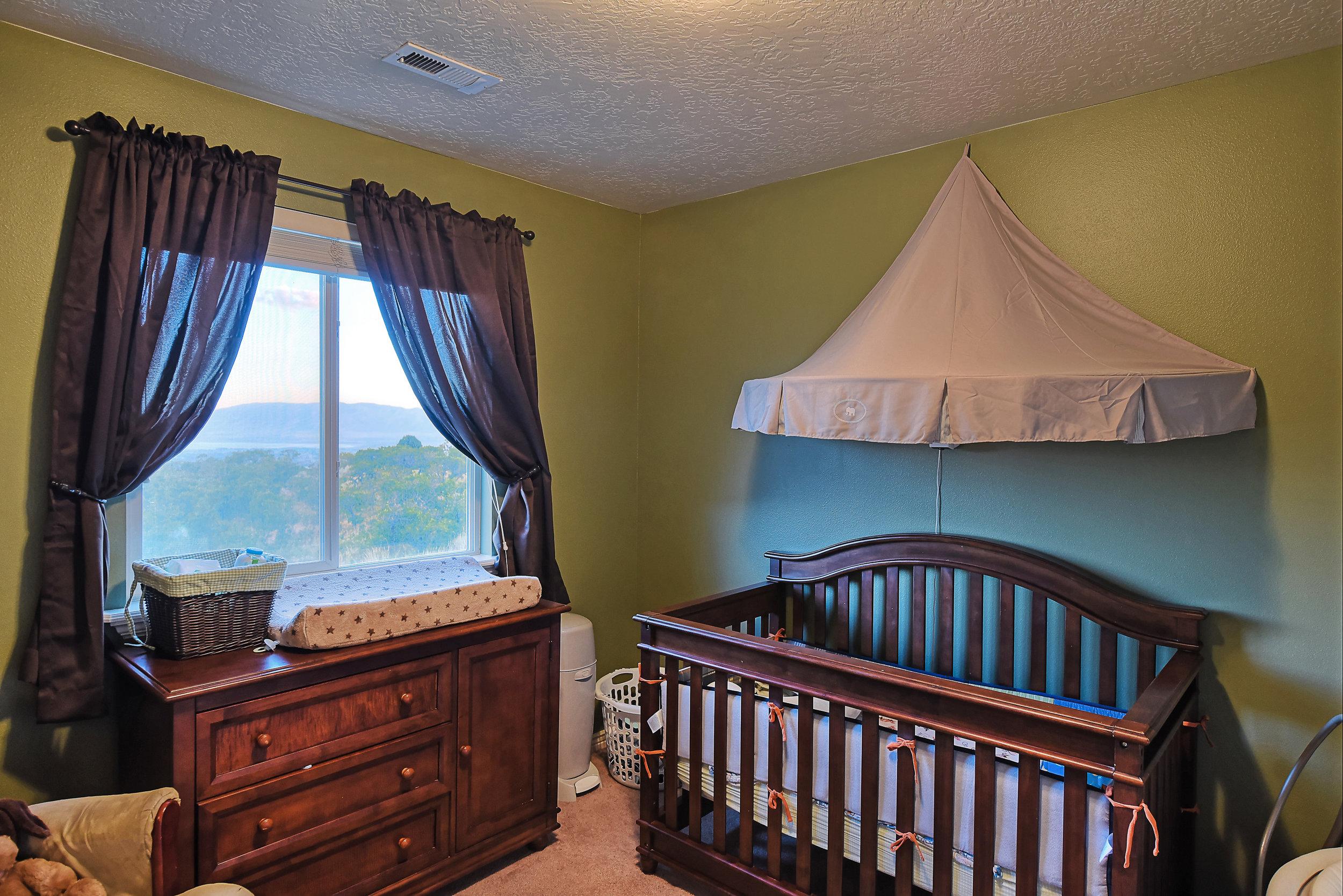 bedroom-baby.jpg