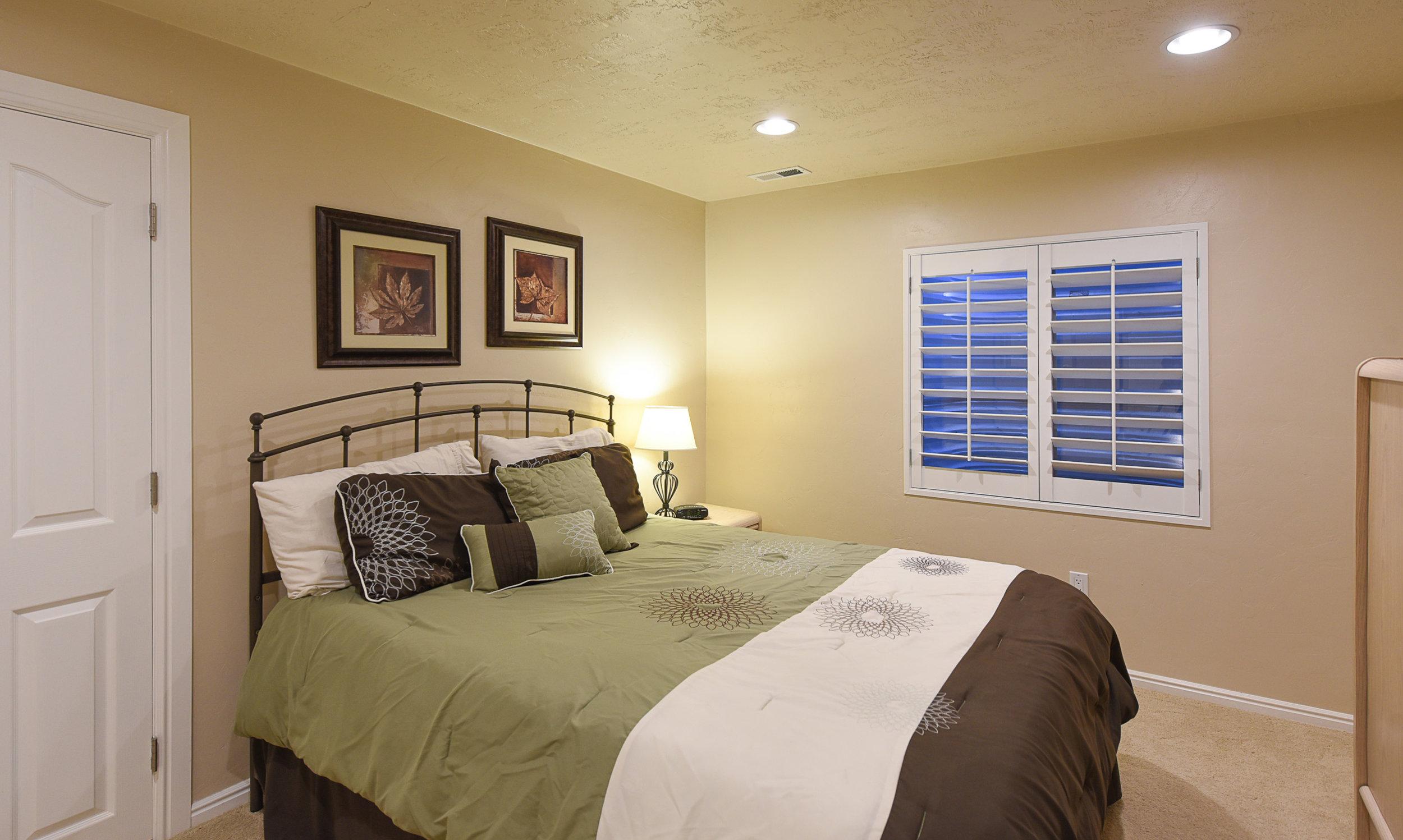 bedroom-bsmt1.jpg