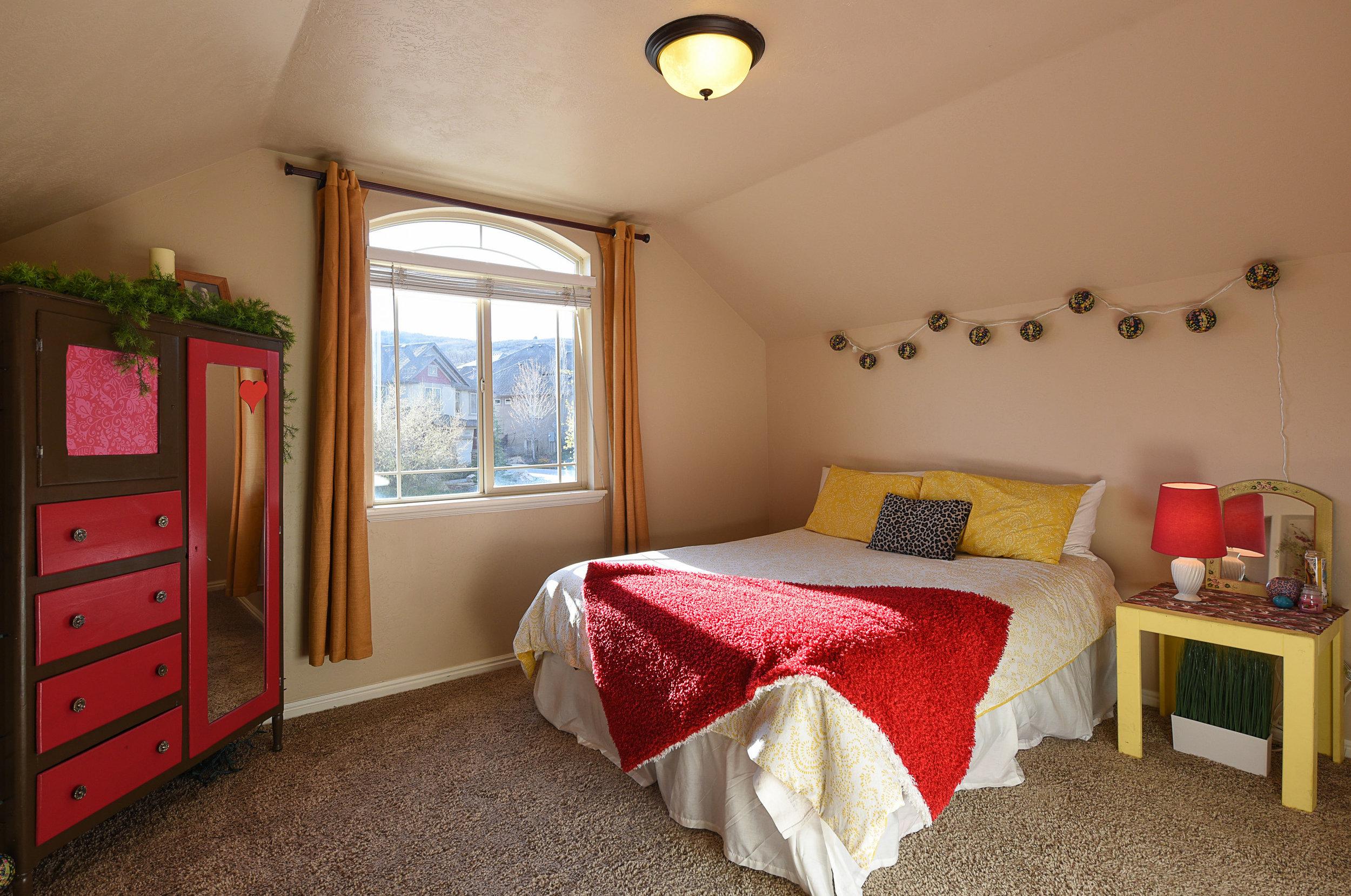 front bedroom1.JPG