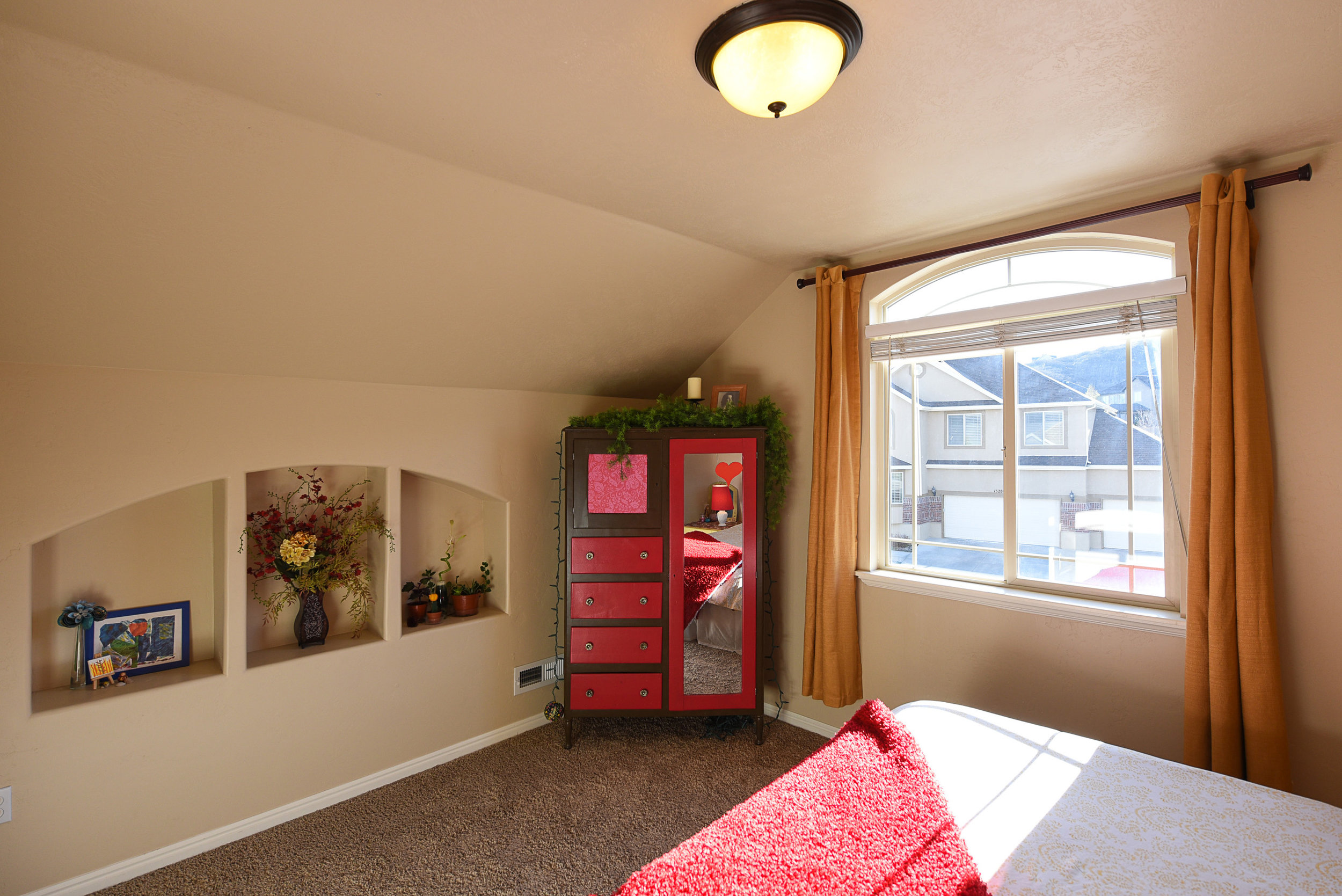 front bedroom2.JPG