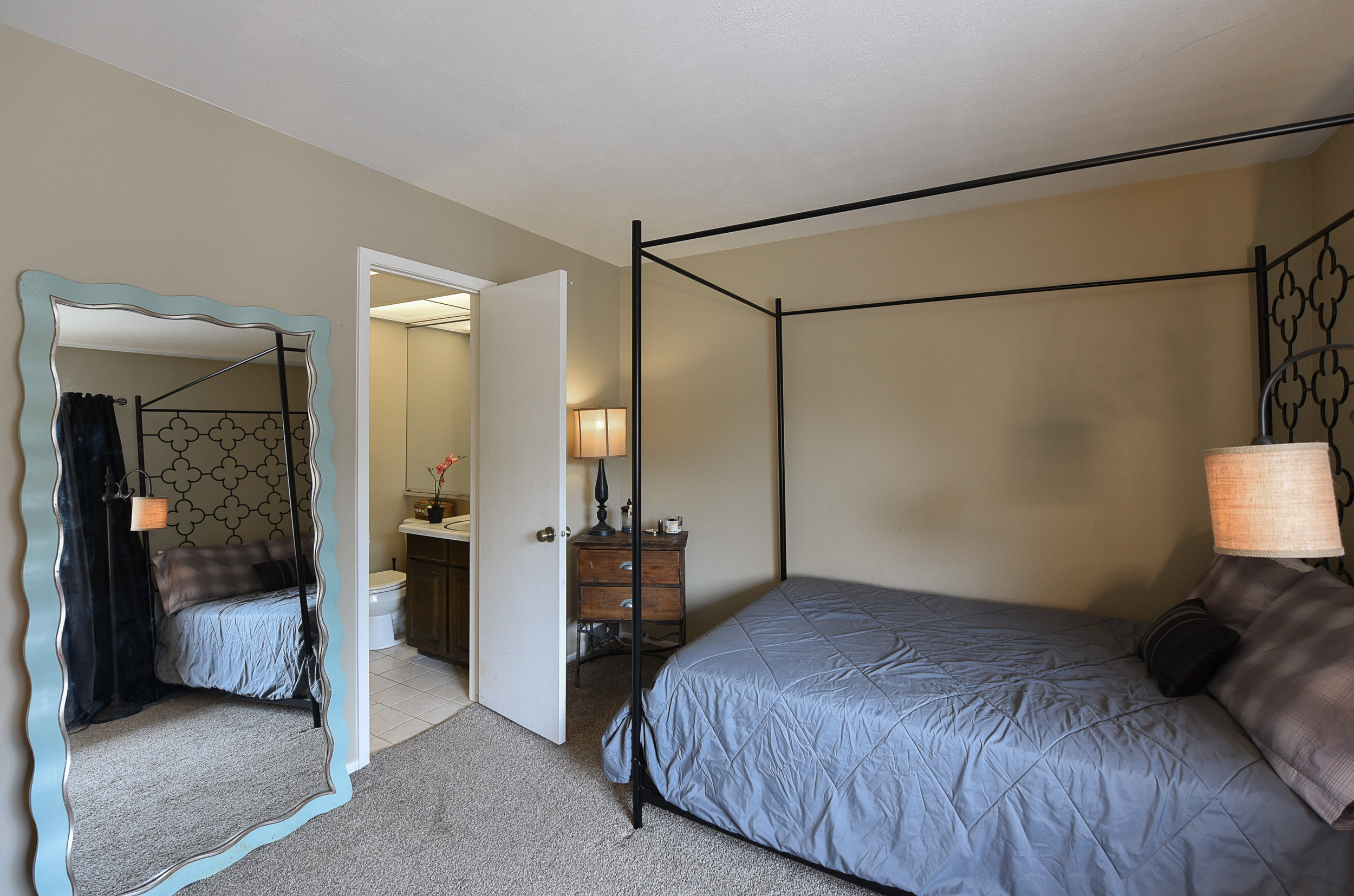 2nd bedroom2.jpg