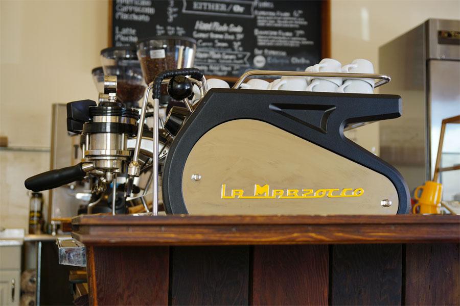 eitherorcafe09.jpg