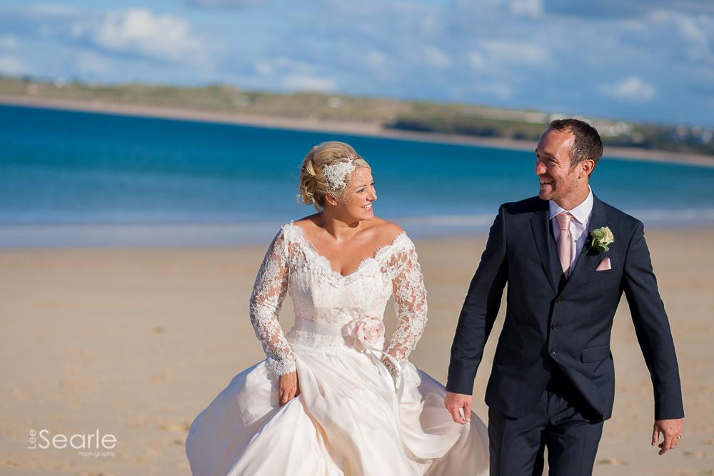 wedding-photographer-Cornwall-leesearle-31.jpg