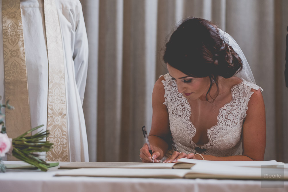 WEDDING-PHOTOGRAPHER-29.jpg