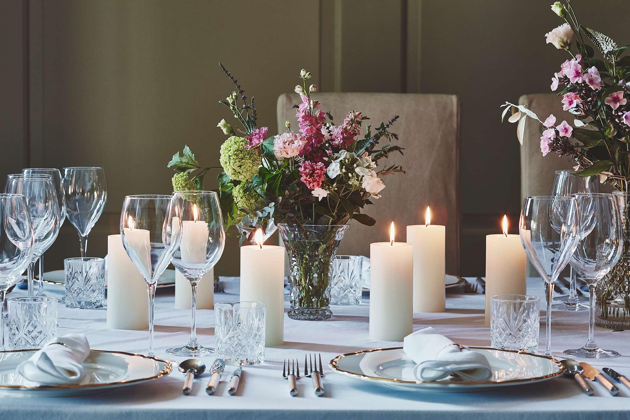 Dining-Room-Dinner-02-018.jpg