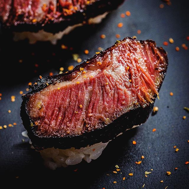 Gyutoro Sous Vide & Smoked Short Ribs Sushi #gyutoro #sushiporn #foodporn #foodpornography #japanesefood #japan #wagyu #shortribs #sousvide #sousvideshortribs #smoked #davidzimand