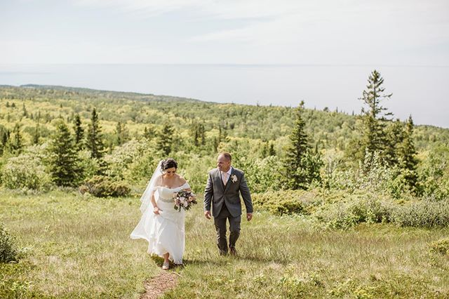 Sometimes I forget the Keweenaw is this gorgeous! 😍😍⠀ Kristen + Shane had the most beautiful wedding in Copper Harbor and we of course had to go up to Brockway Mountain! ⠀ ⠀ It's looking like Copper Harbor is a hot spot for weddings next year and I'm not mad about it!💥