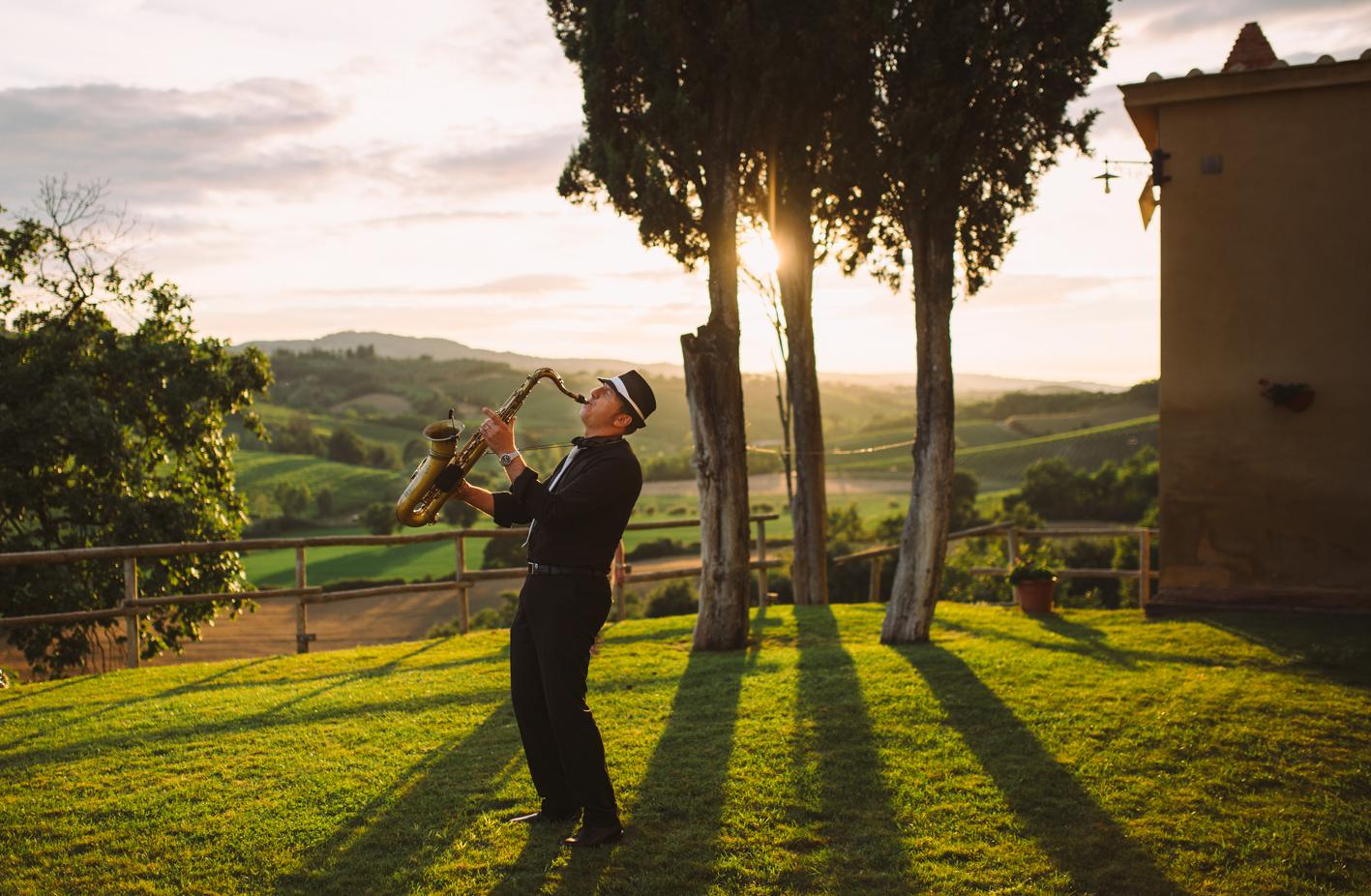 #funkybirdphotography #weddingintuscany #weddinginitaly #funkybirdfirenze #trouwenintoscane #sangimignano #landscape #sunlight #goldenhour
