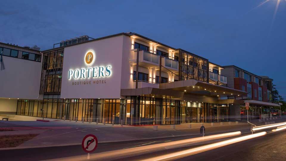 porters-hotel-1.jpg