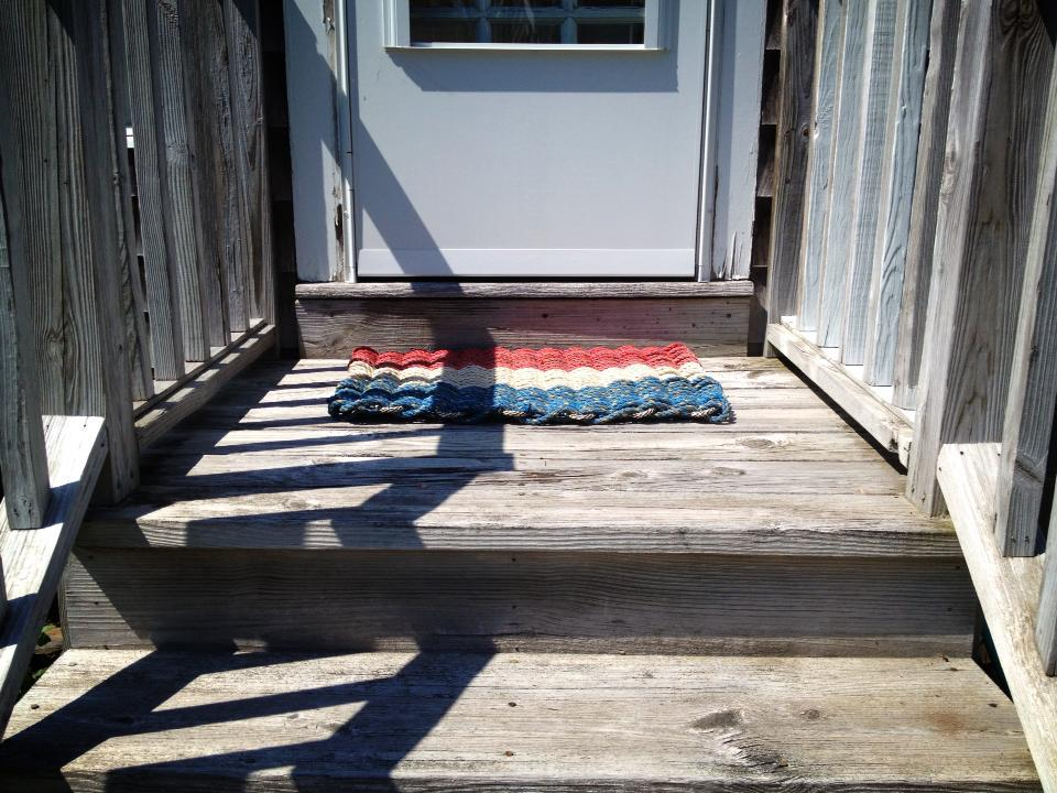 Kport: Item# 1-105 Red, White & Blue Recycled Sea Rope Doormat