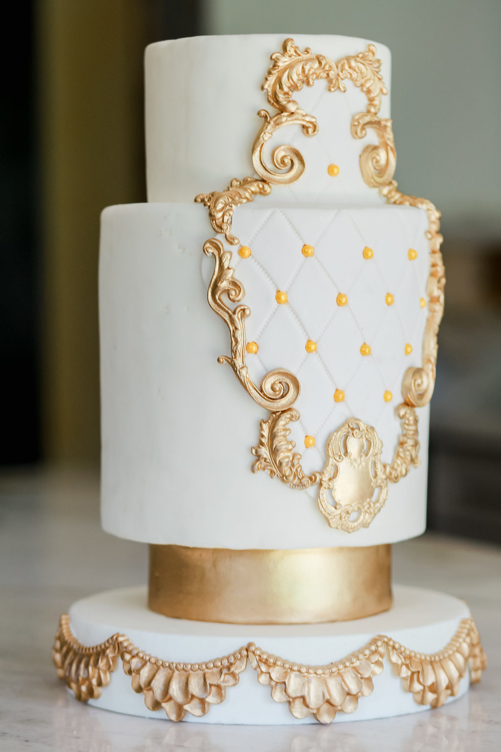 The details on this gorgeous cake by Lilly at  The Starfish Castle  are to die for.