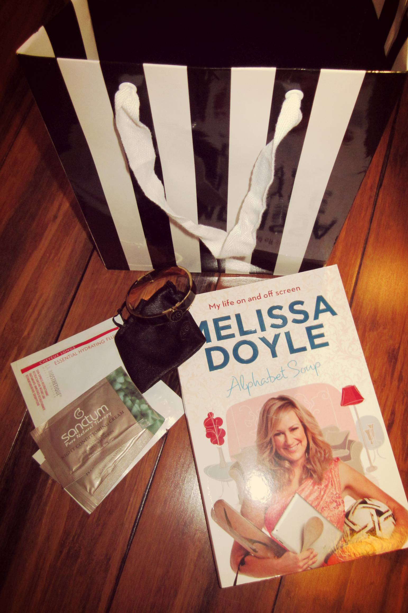 Campaign Confidence gift bag, including a signed copy of Melissa Doyle's new book and Karen Gee's signature bracelet.