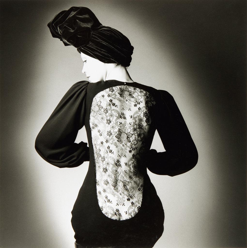 jean-loup-sieff-yves-saint-laurent-s-dress-vogue-paris-1970-jpg.jpg