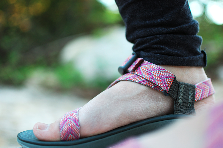 chaco-mystic-sandals-pink-arrows