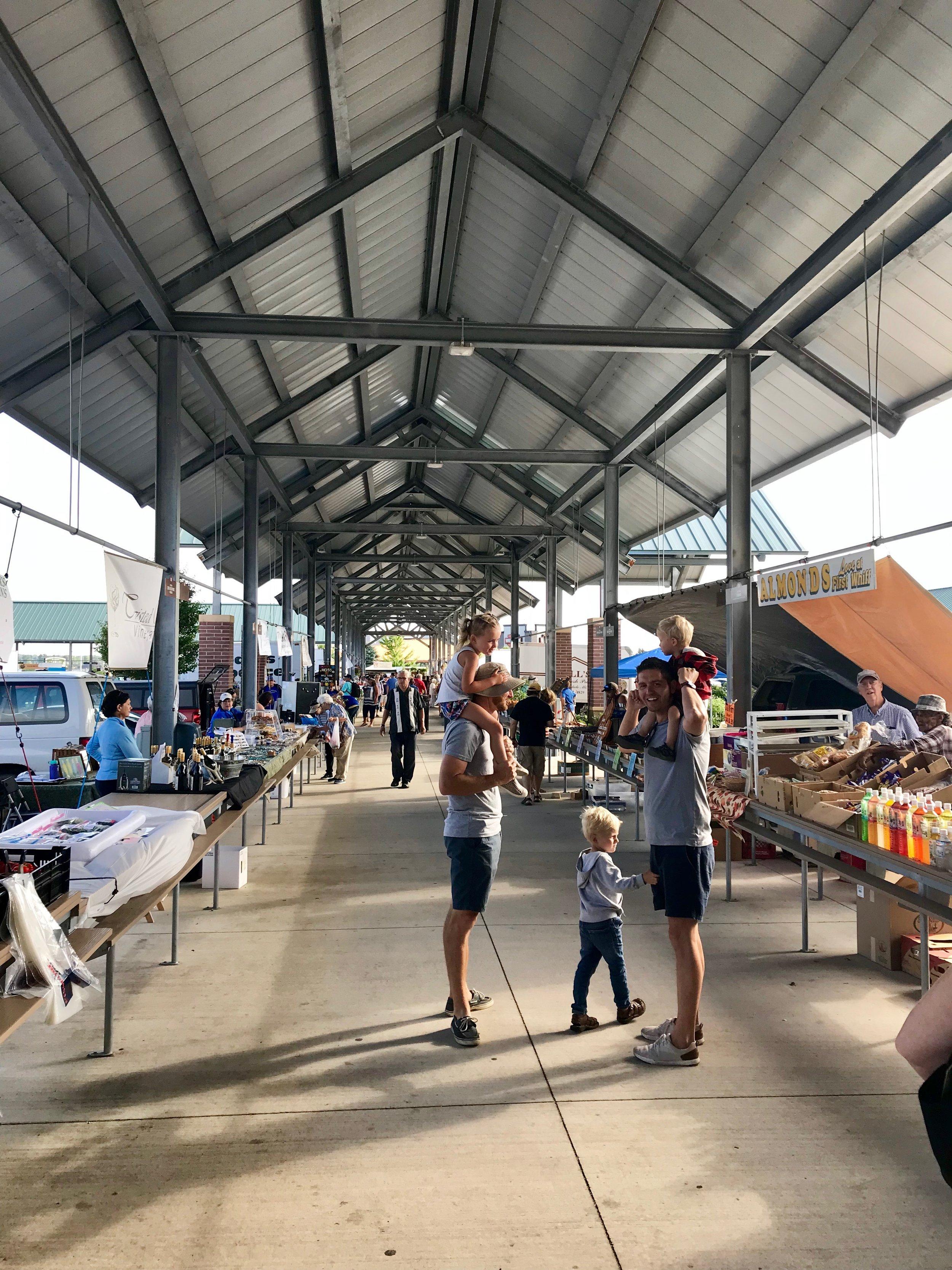 muskegon farmers market 2.jpeg