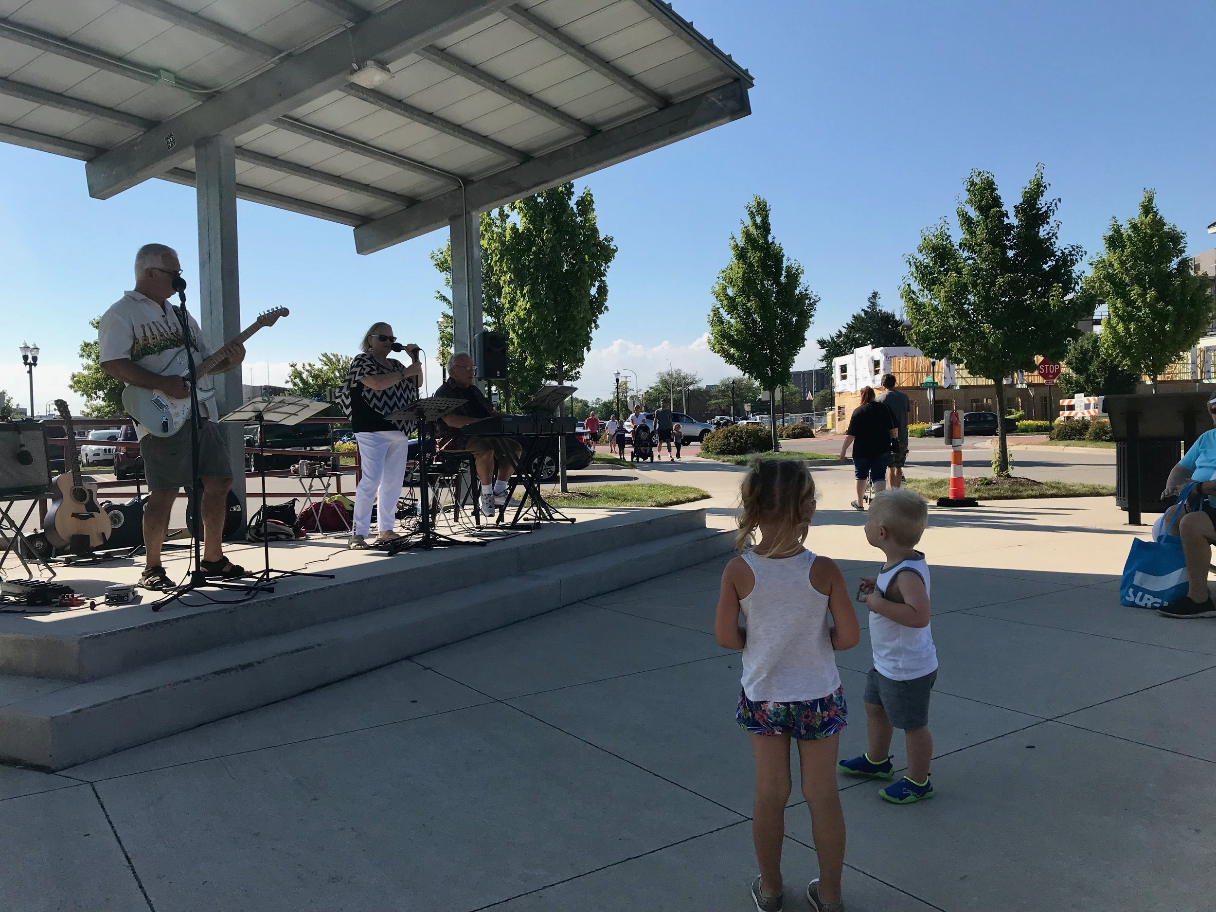 muskegon farmers market music.jpeg