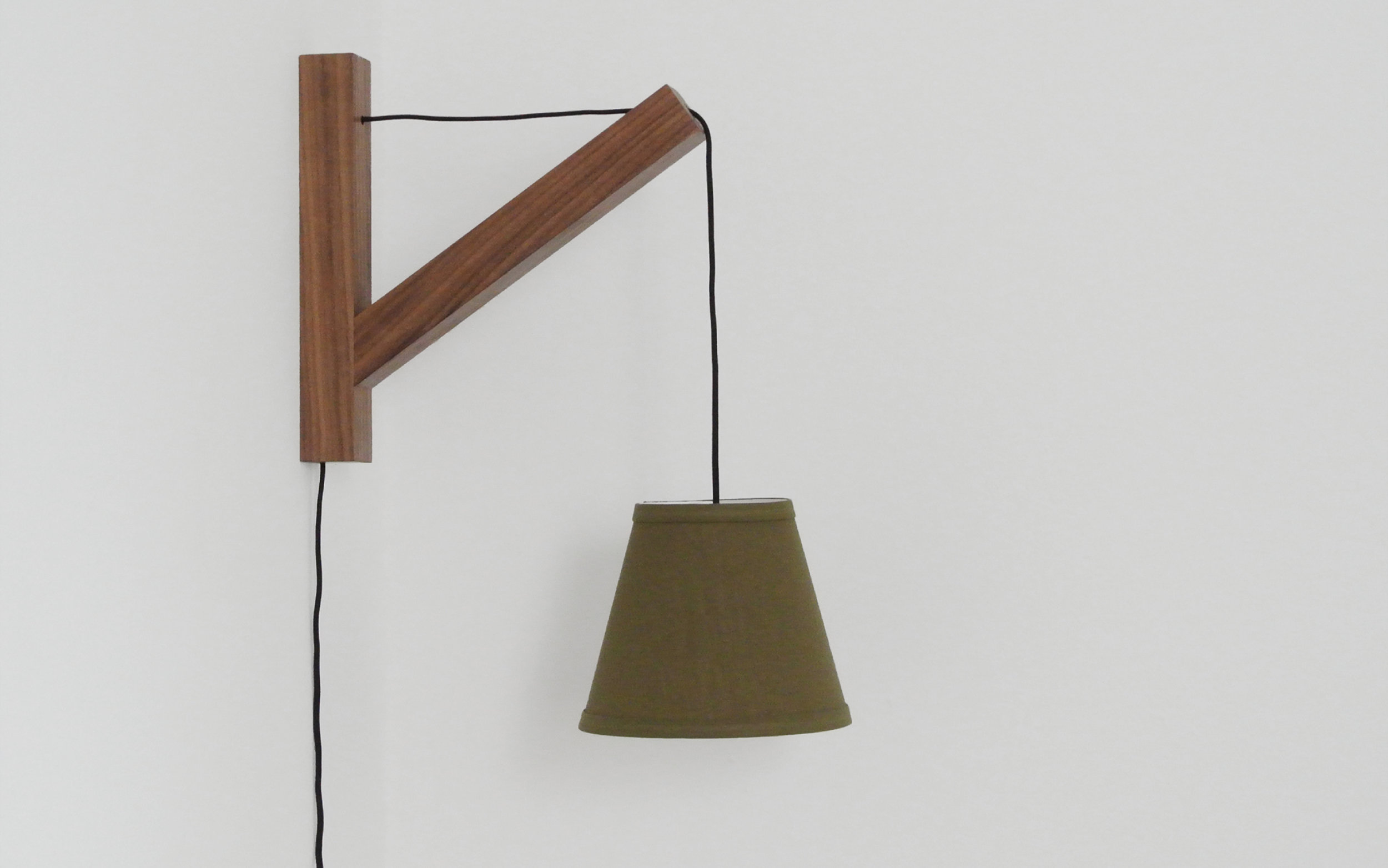 Bracket-Lamp.jpg