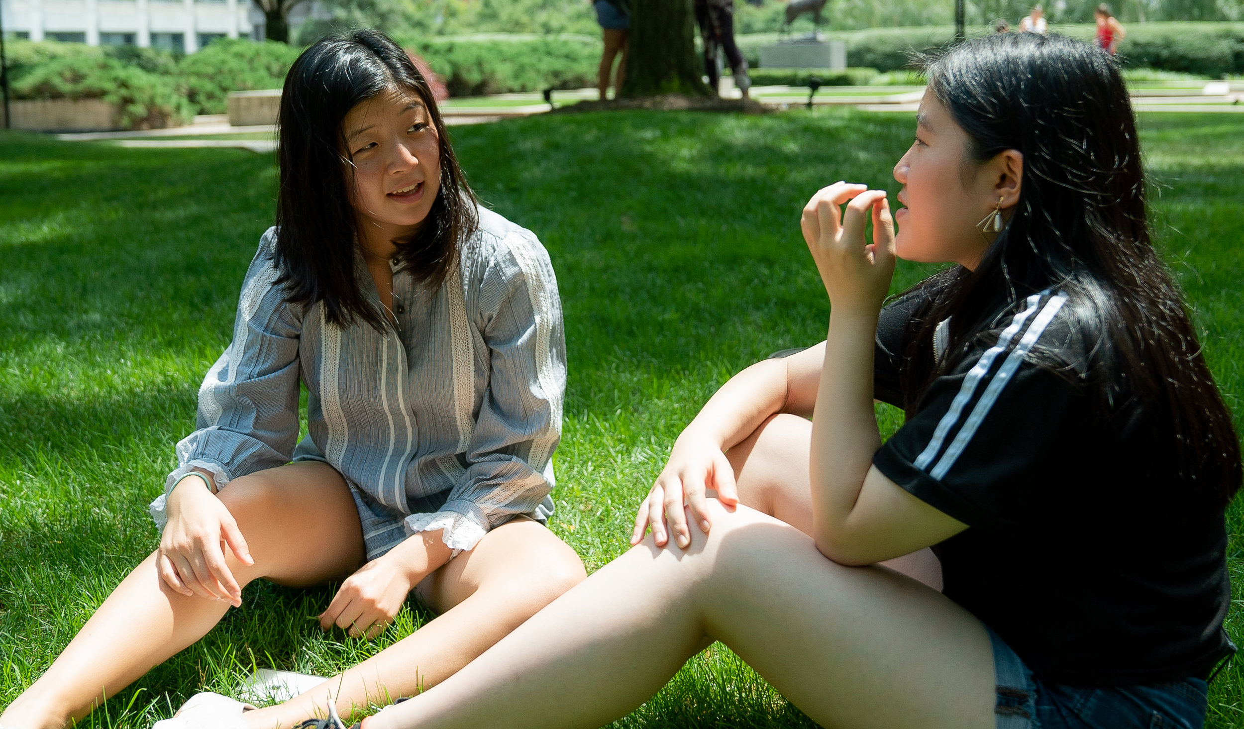 Sarah Huang and Juna Kawai-Yue interview each other for their Kavad project. Photo by Zoraida Ingles.