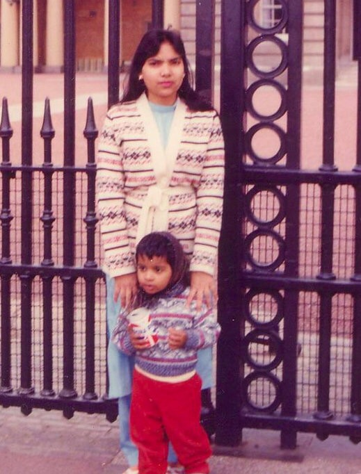 Photo shot by: My dad, Location: Buckingham Palace, London, England