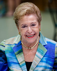 220px-Mary_Higgins_Clark_at_the_Mazza_Museum.jpg
