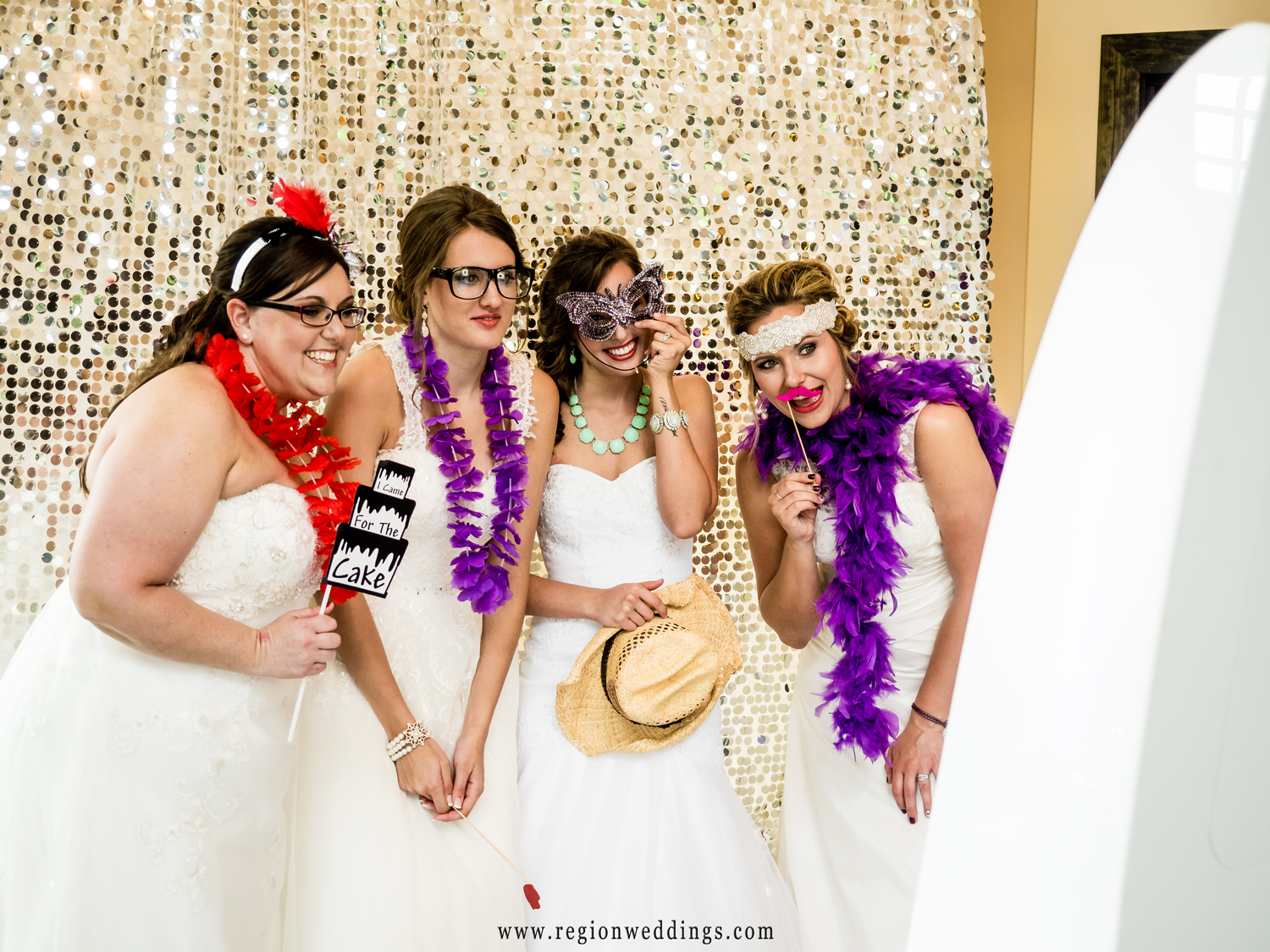 brides-photo-booth