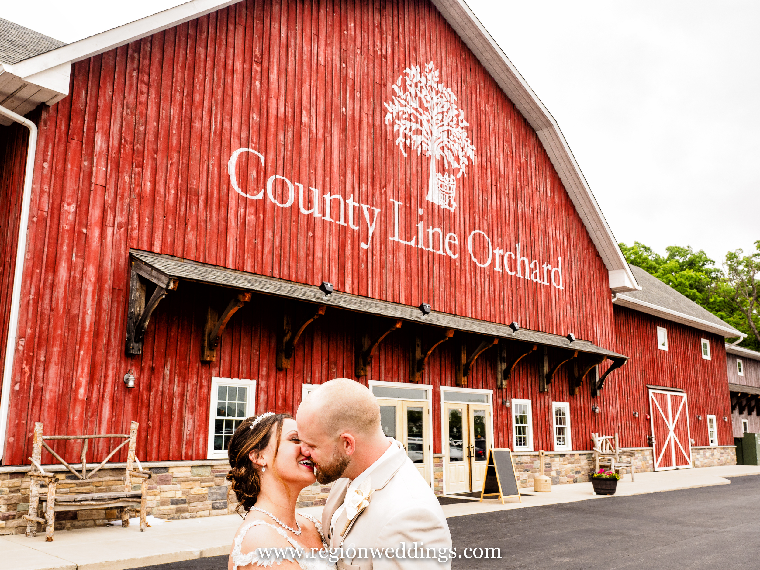 The front entrance to County Line Orchard in Hobart, Indiana.
