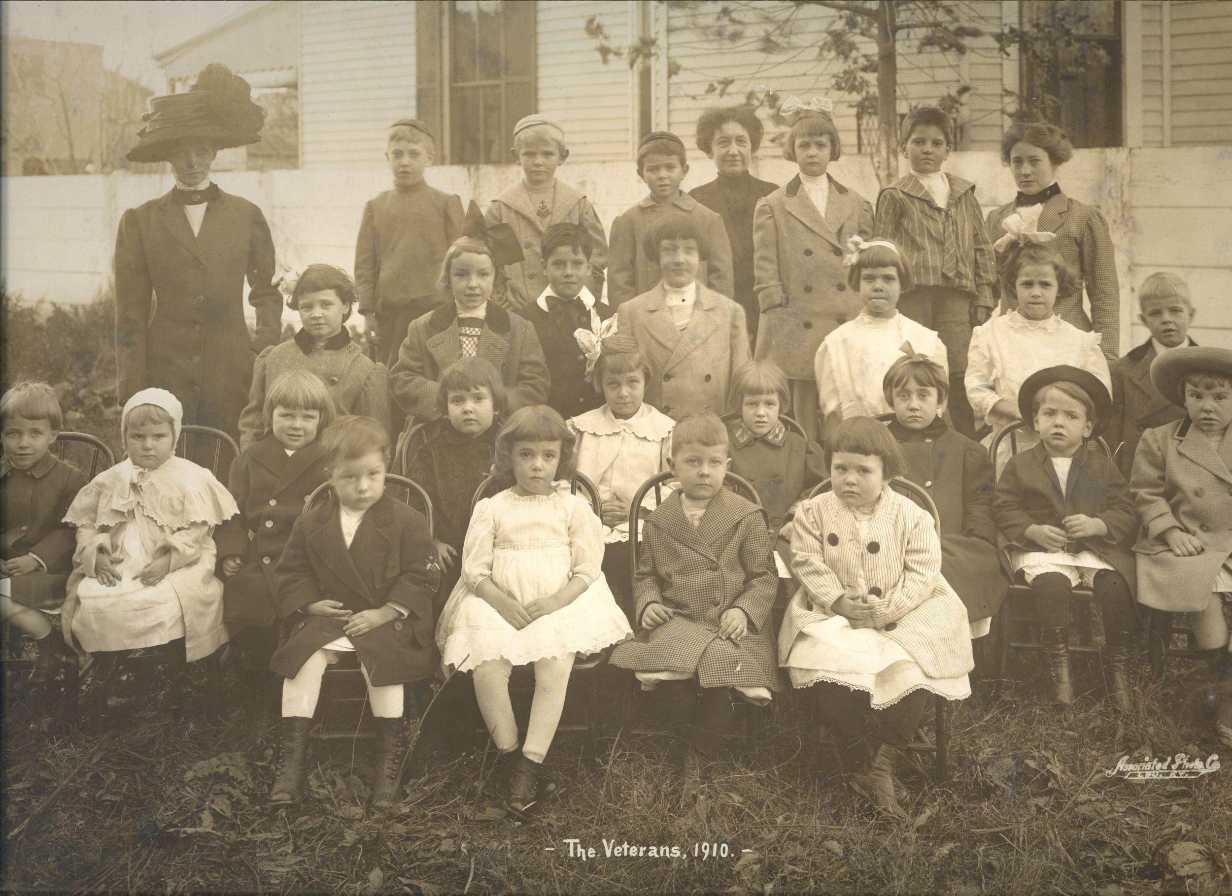 1910-Elem-ss-class.jpg