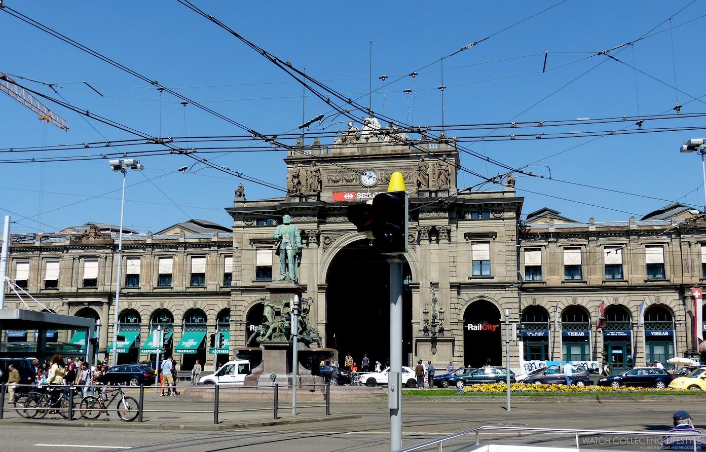Banhofplatz, the train station.