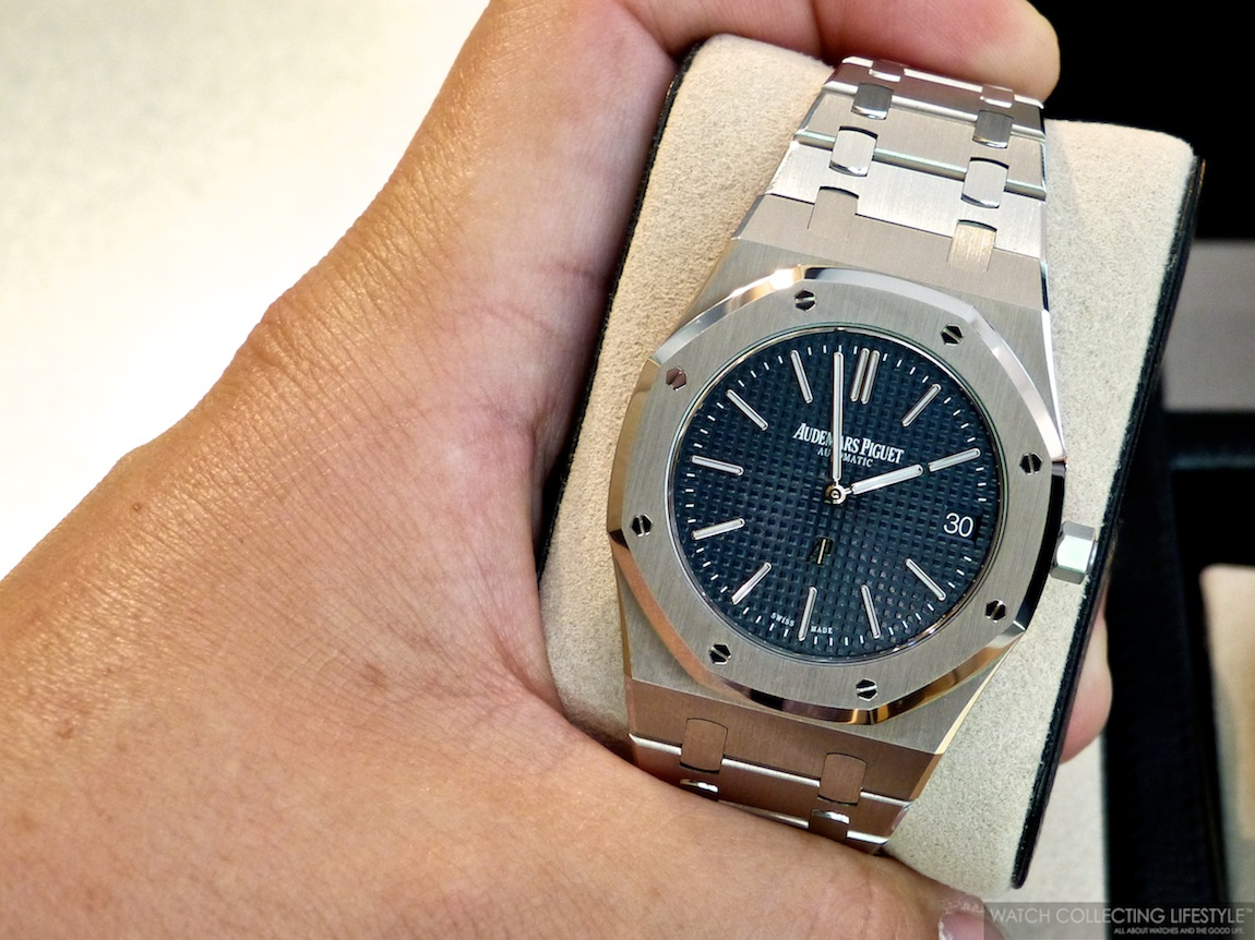 Insider Audemars Piguet Royal Oak Extra Thin Ref 15202st Almost Like The Original Jumbo From 1972 Watch Collecting Lifestyle
