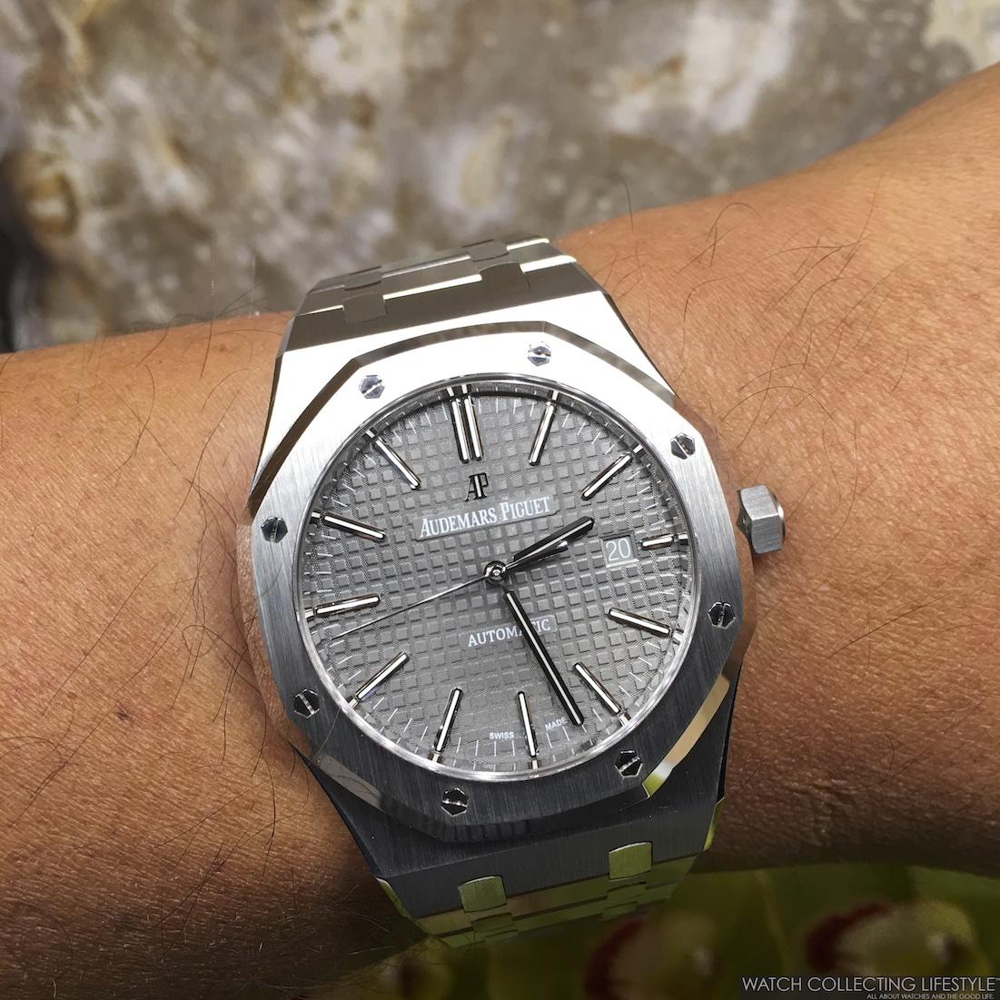 Royal Oak Grey Dial Wristshot