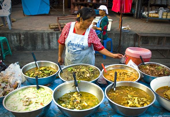 travel-blog-food-fridays-bike-chiang-mai.jpg